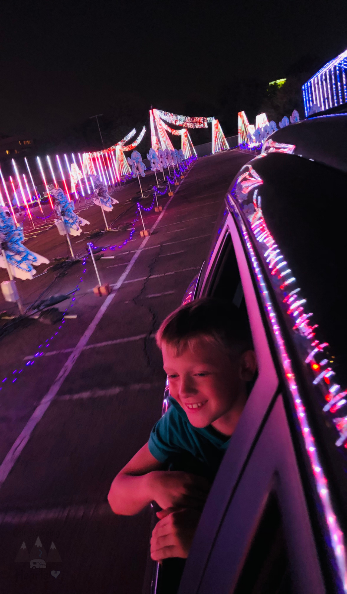 You are about to get a front-row seat to the largest animation Christmas lights show in the world. Bring the whole family for this adventure! #OurRoamingHearts #ChristmasLights #Arizona #Georgia #Tempe #Glendale #Marietta #HolidayActivies #FamilyFun | Family Fun For Christmas | Christmas Light Shows | Tempe Arizona | Glendale Arizona | Marietta Georgia | World Of Illumination | Christmas Traditions